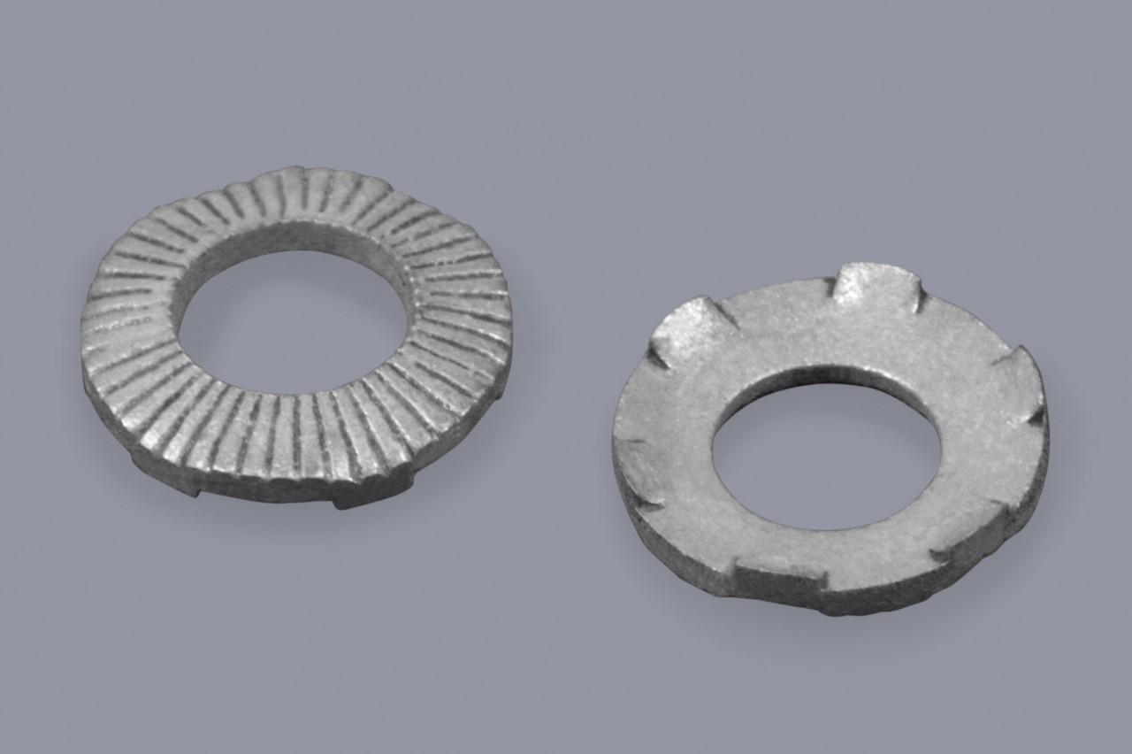 Kontaktscheiben aus Metall mit Zähnen