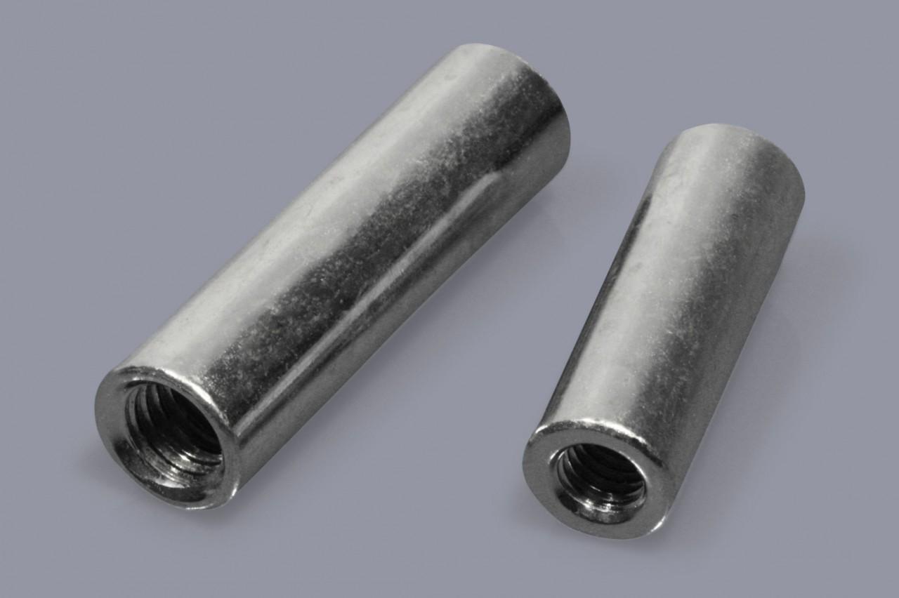 Distanzmuffen aus Metall mit durchgehendem Innengewinde, rund