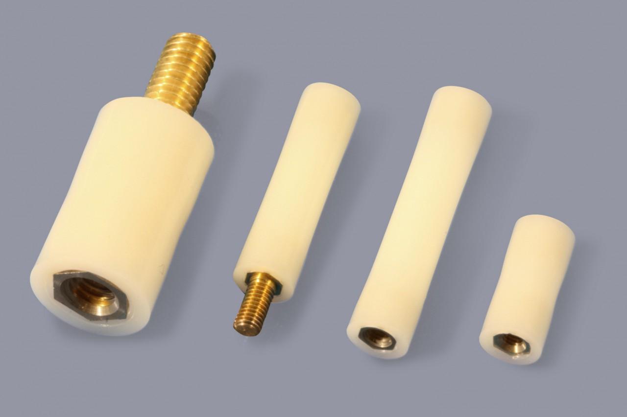 Isolierbolzen aus Nylon mit Gewindeeinsätzen aus Metall, rund