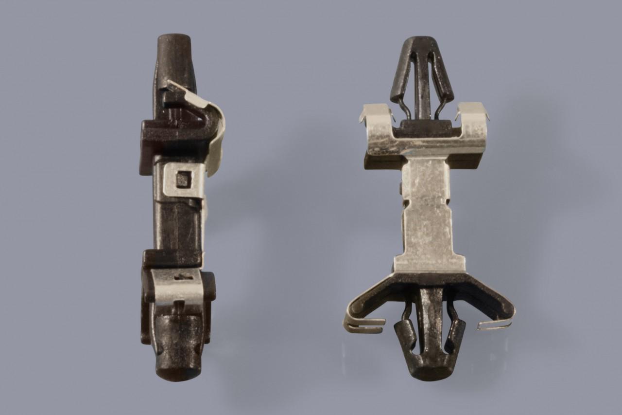 Distanzhalter / Abstandshalter aus Kunststoff einrastend und mit leitendender Metallfeder