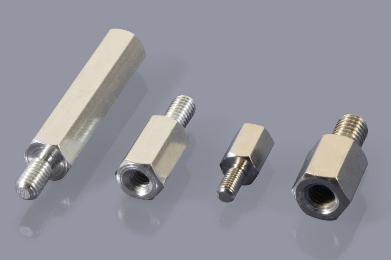 Distanzbolzen / Abstandsbolzen aus Metall mit Außen-/Innen-Gewinde (A/I)