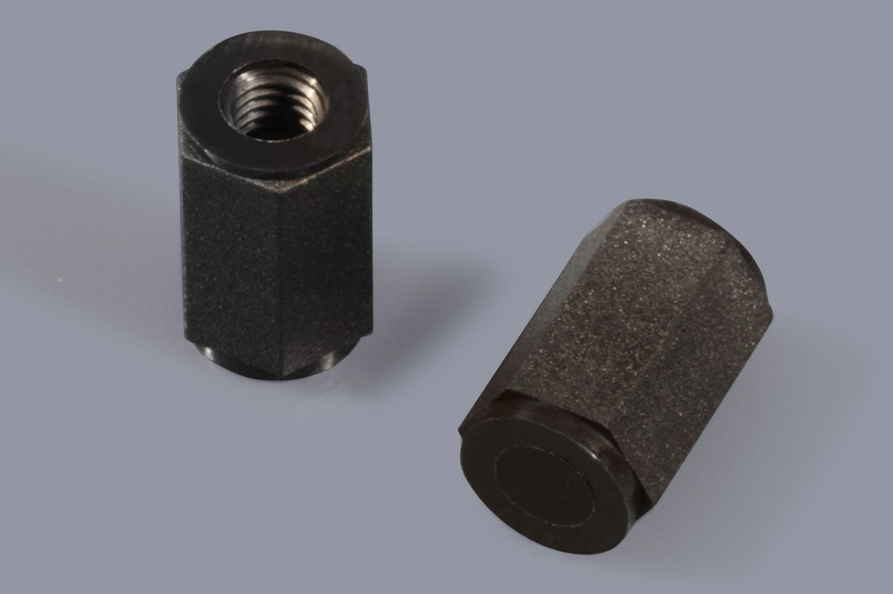 Distanzbolzen / Stützpfosten aus Kunststoff mit einseitigem Innengewinde, sechskant